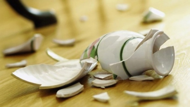 В каих случаях оплачивается разбитая посуда в магазине